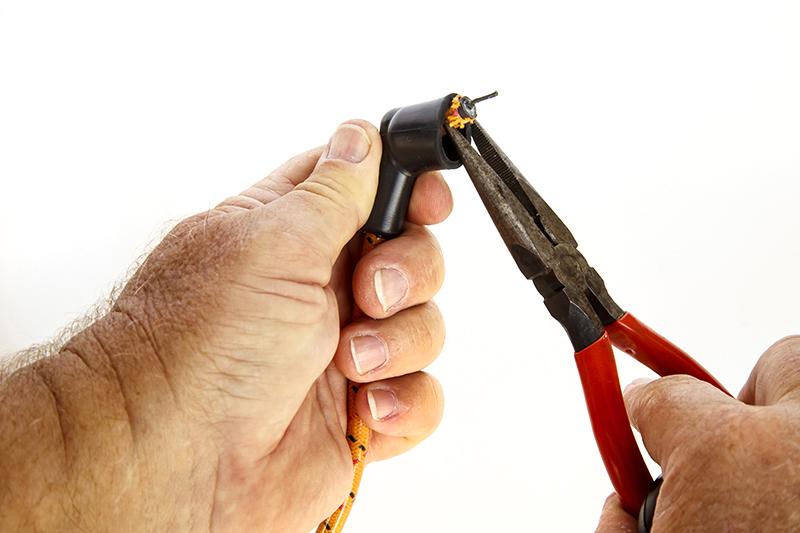 Self bondage cinch noose